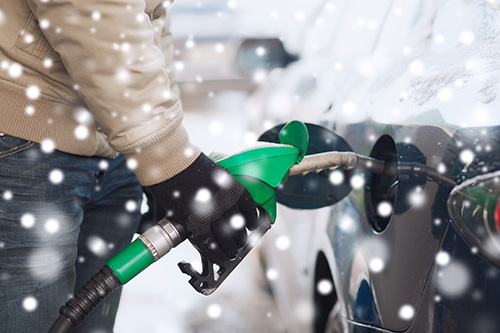 pumping-diesel-fuel-in-winter